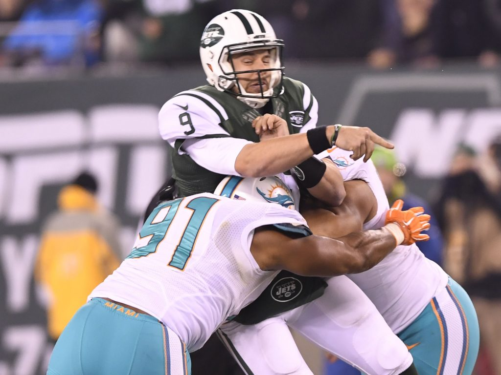 Dolphins Wake and Suh make themselves a Bryce Petty sandwich © Evan Pinkus