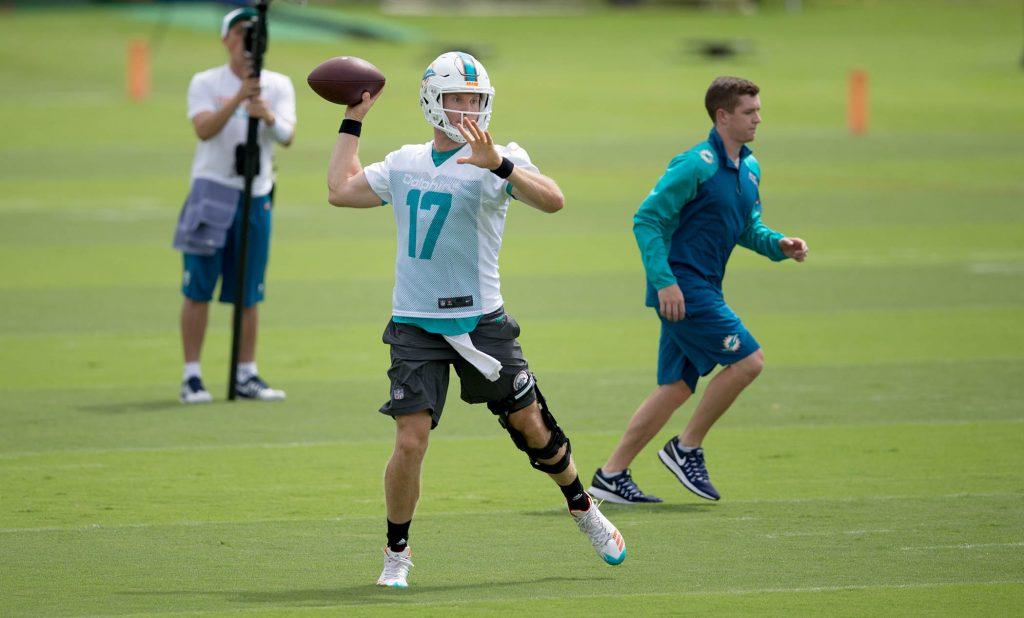 Ryan Tannehill has worn a knee brace for most of camp © Allen Eyestone / The Palm Beach Post