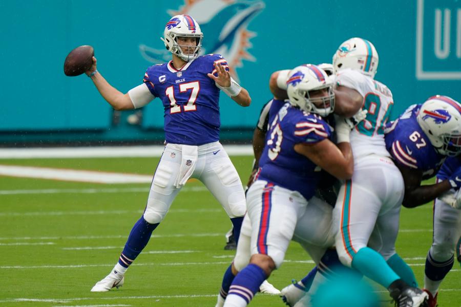 The Dolphins defense had no answer for Josh Allen © AP Photo/Wilfredo Lee